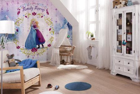 Komar 8-479 Frozen Familiy Forever